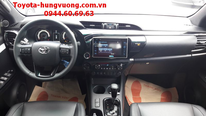 TOYOTA HILUX 2018 2.8G AT CAM ANH KIM NOI THAT