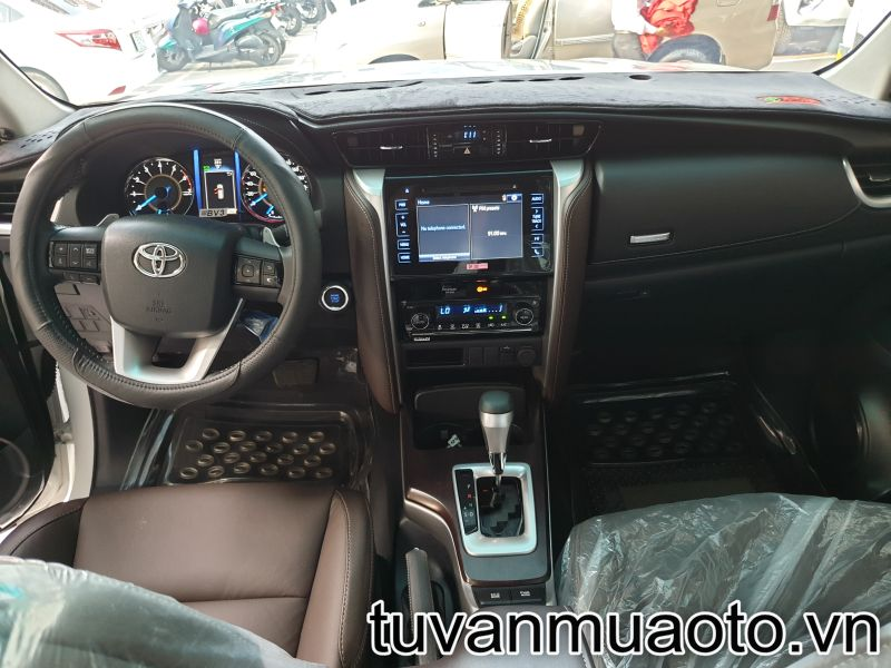 toyota-fortuner 2019-may-xang