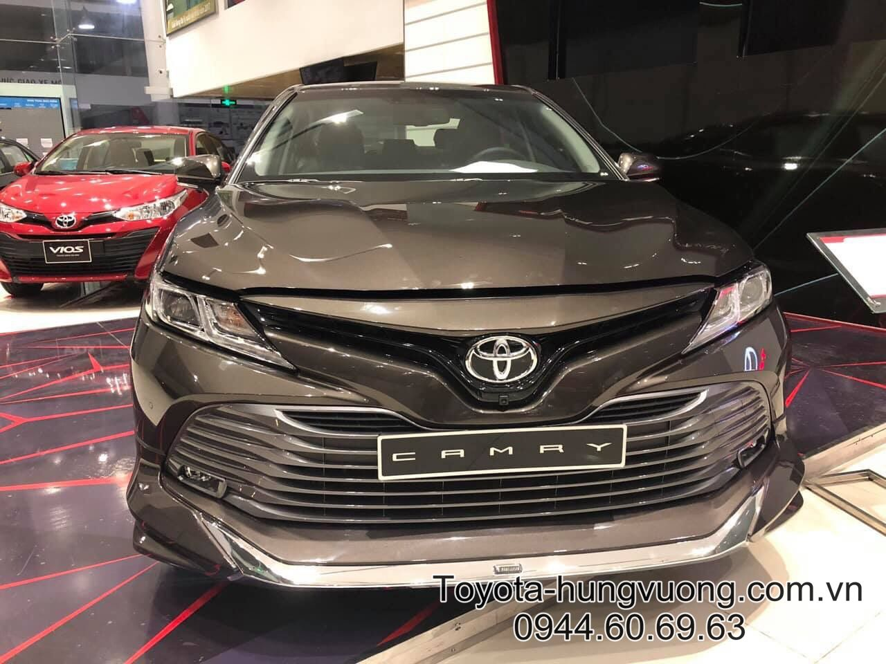 toyota-camry-2020-ghi-4x7